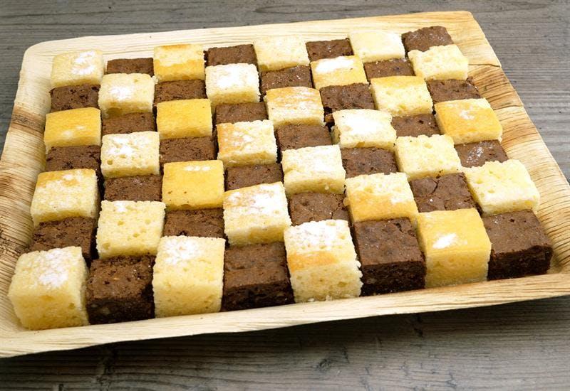 Catering Menü 56er Kuchen Mosaik Platte