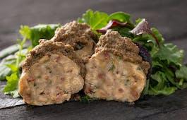 Catering Menü Speckknödel mit Salat