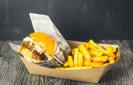 Catering Menü Muttis Burger und Fritten Box